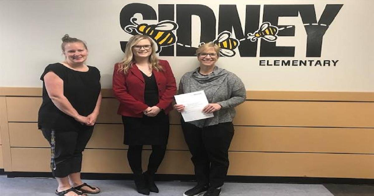 Sidney Elementary receives $5,000 donation towards new outdoor classroom