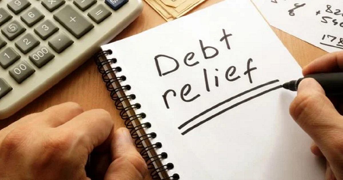 Feenix: A crowdfunding initiative for university students in debt